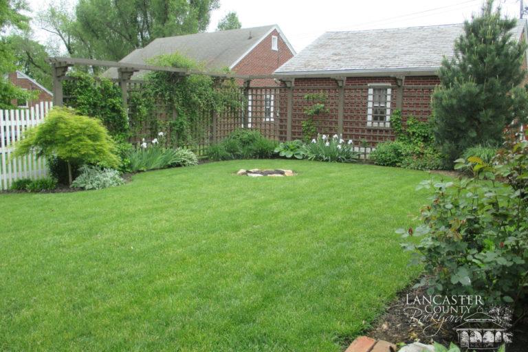 custom backyard pergola